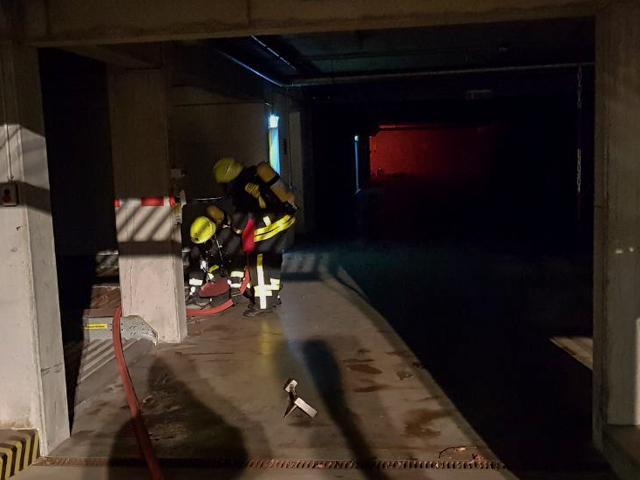 Übung Tiefgaragenbrand mit Menschenrettung